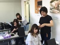 WEBで授業見学☆ヘアー&メイクの実践授業
