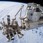 ドローンロボットの動きをプログラミングして、国際宇宙ステーションを救え!