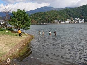 湖底清掃中64076544313_2711872814897430528_n.jpg