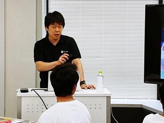 田中トレーナー1.jpg