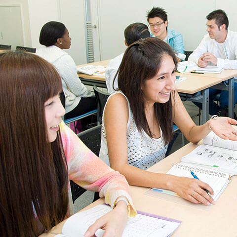 Foreign Students 留学生の方へ
